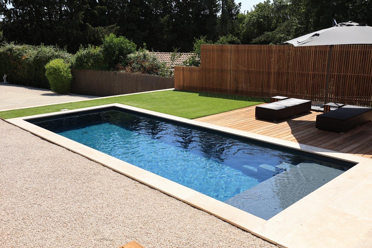construction piscine avec plage immergée