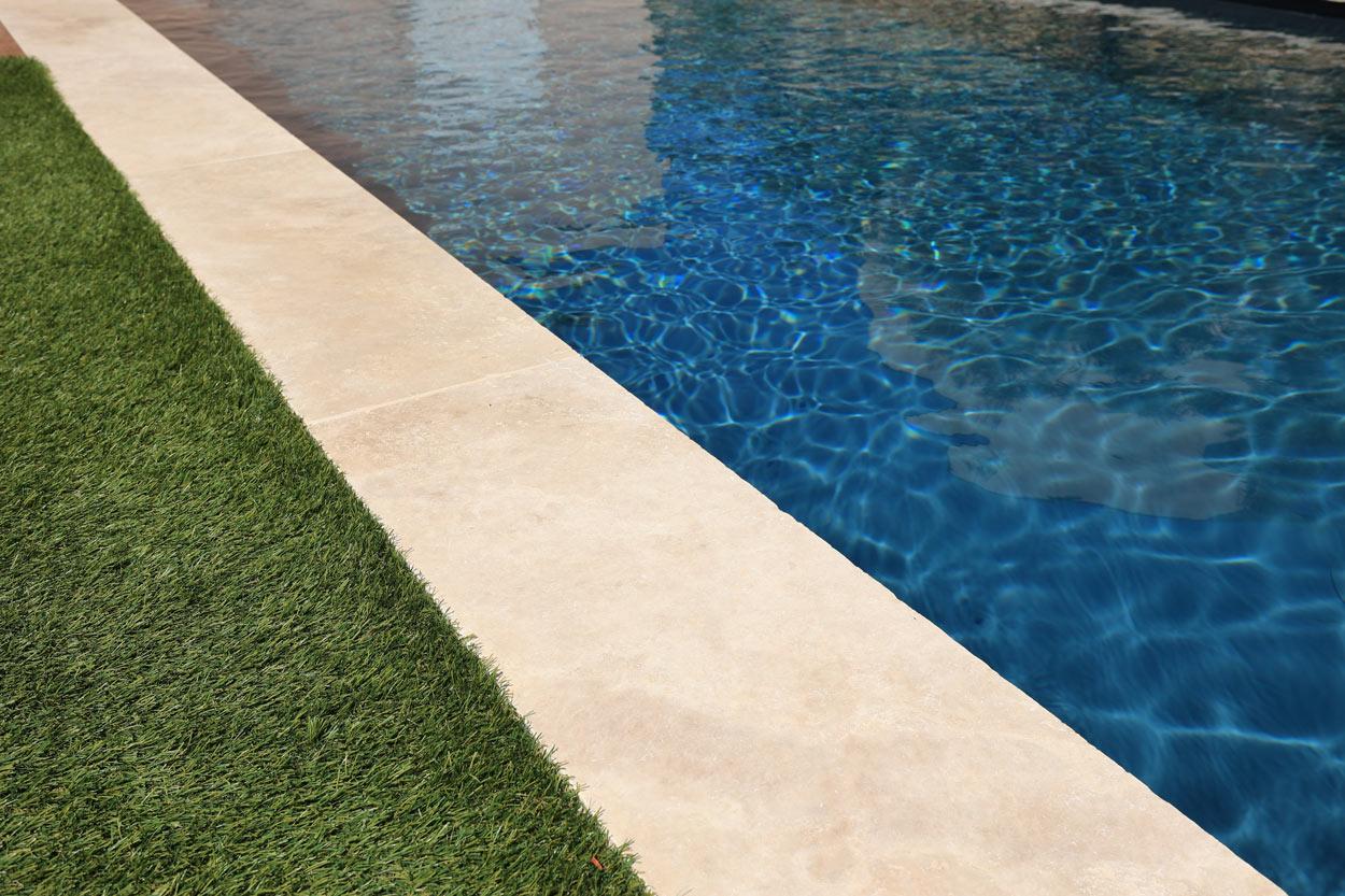 margelles grande longueur pour contour piscine