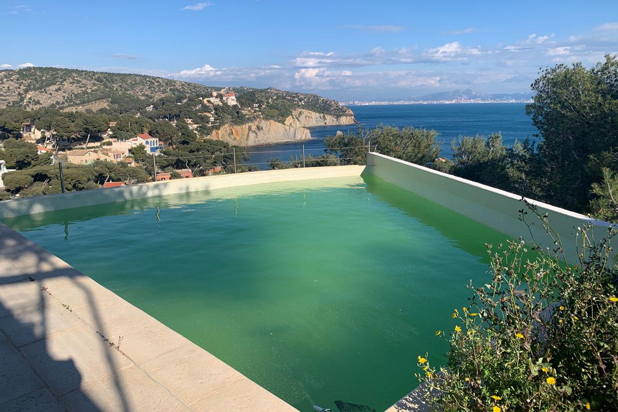 piscine à débordement avant transformation