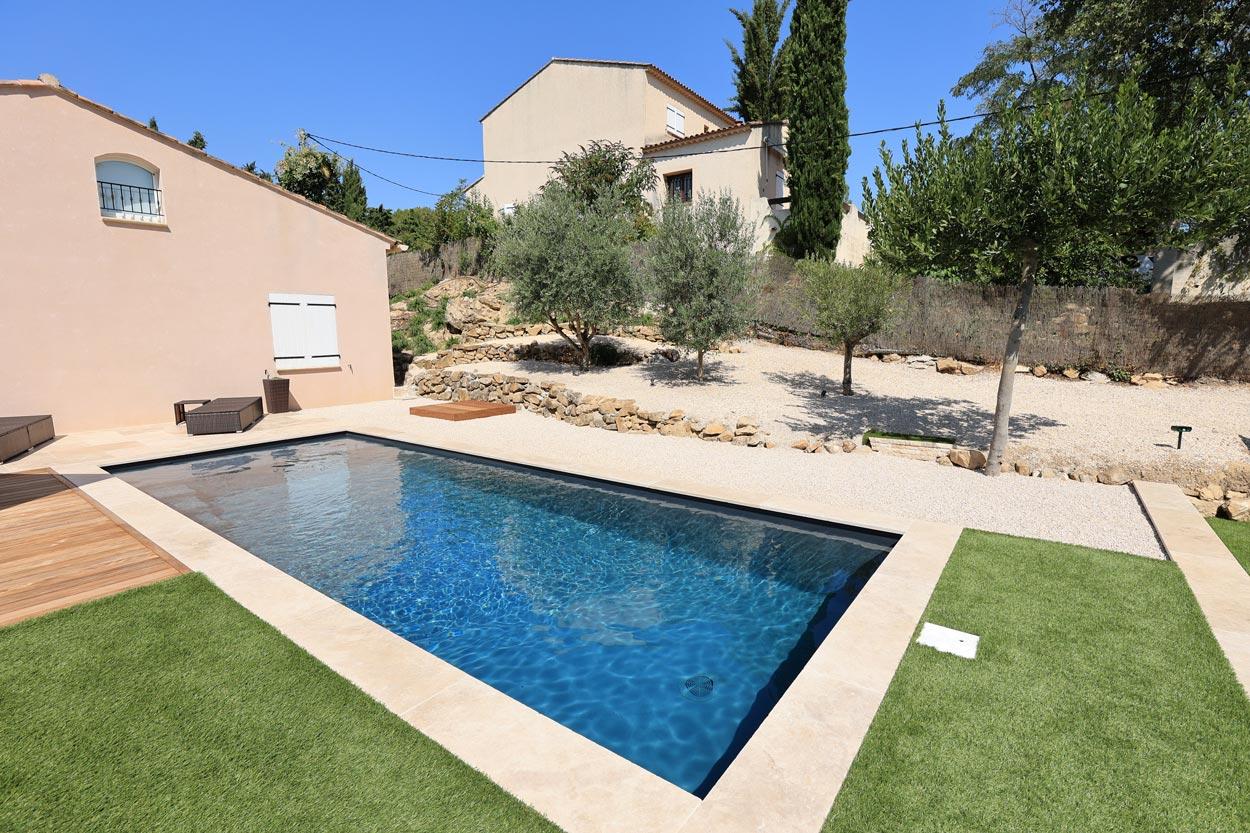 construction piscine rectangulaire 8m x 3m