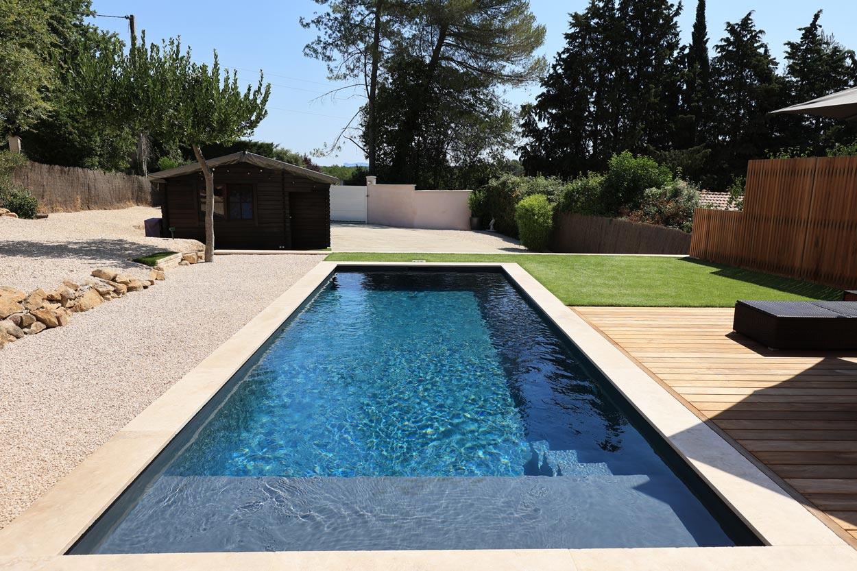 piscine avec plage immergée 1m et 3 marches