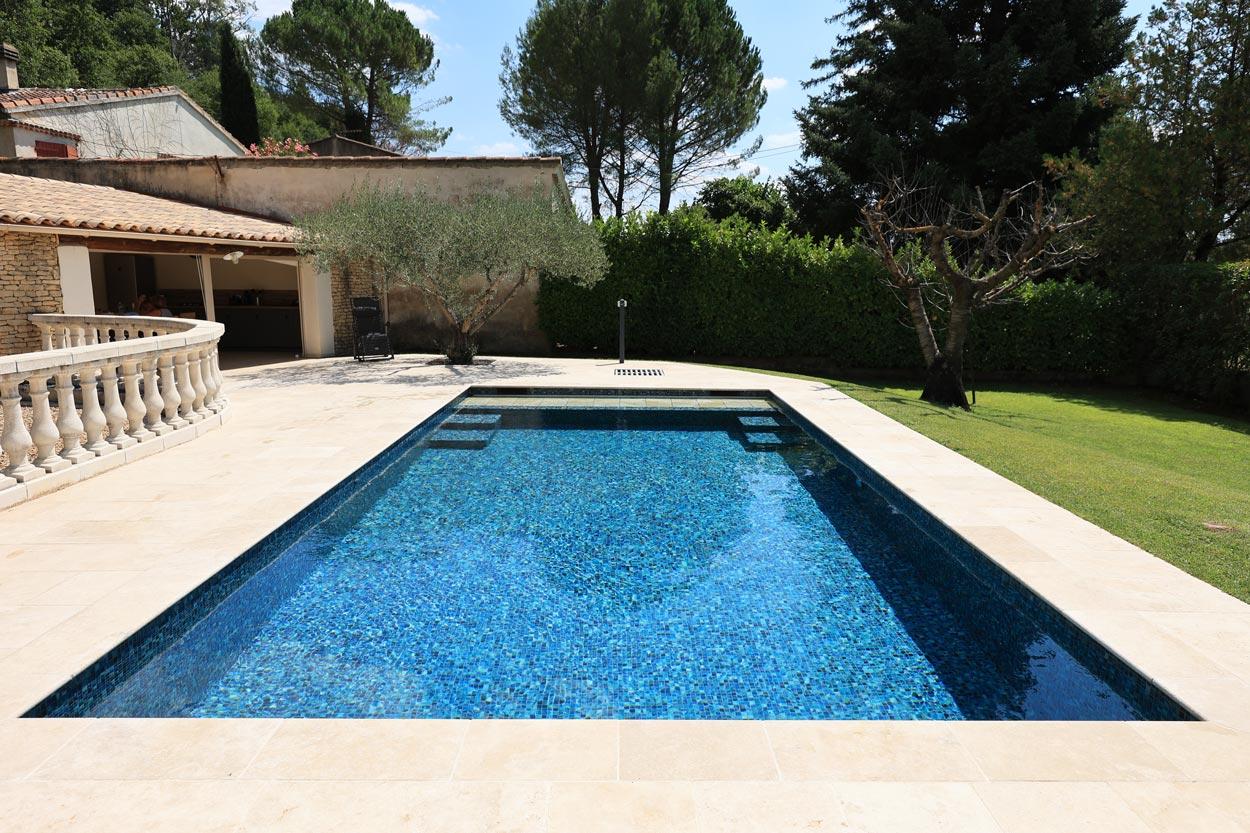 rénovation-piscine-carrelage-volet-roulant