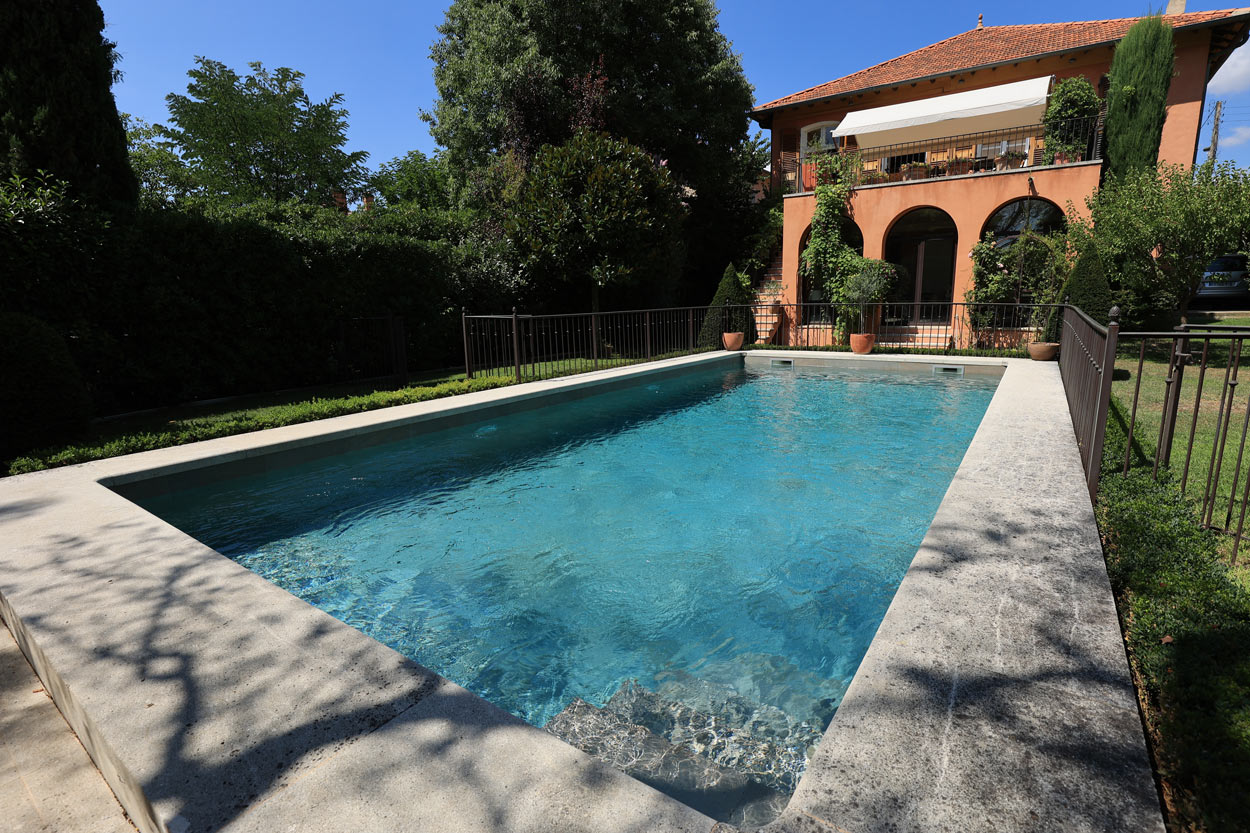 rénovation-piscine ancienne carrelage