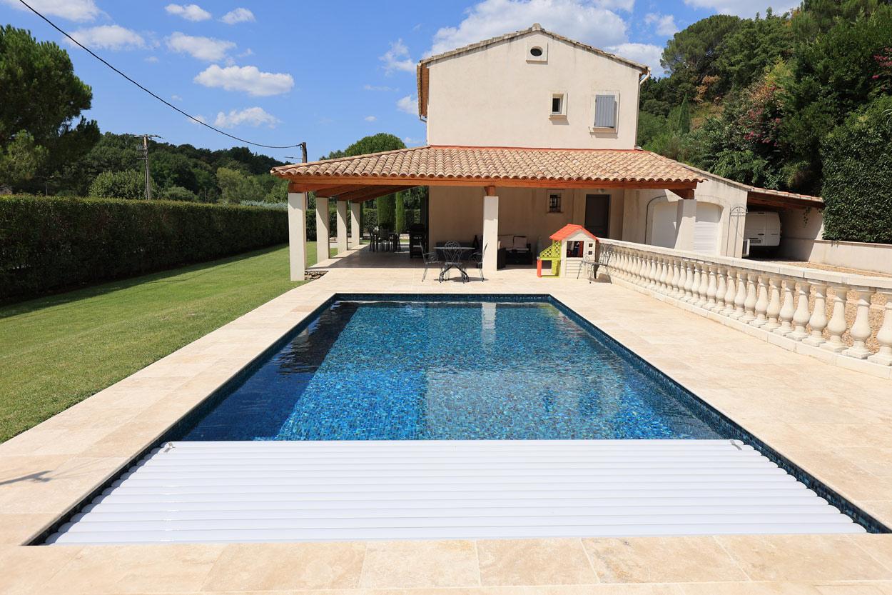rénovation-piscine-installation-volet-roulant